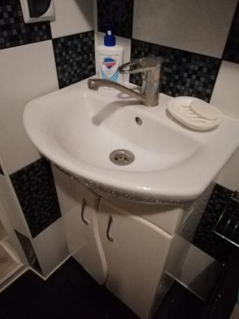 Умивальник у ванну