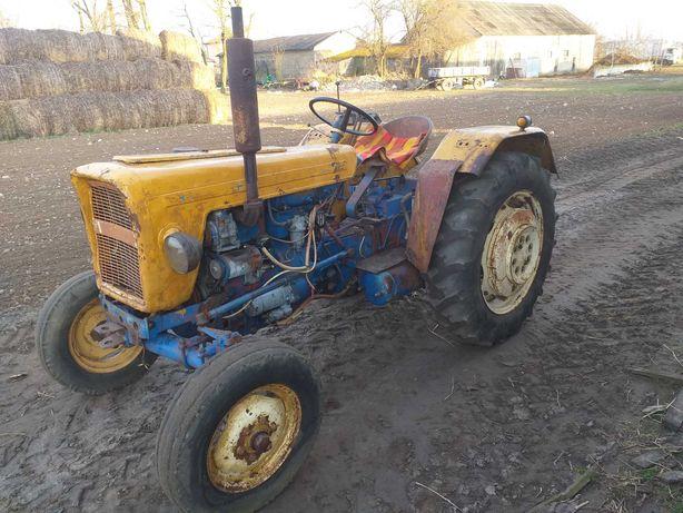 Ciągnik rolniczy Ursus C330