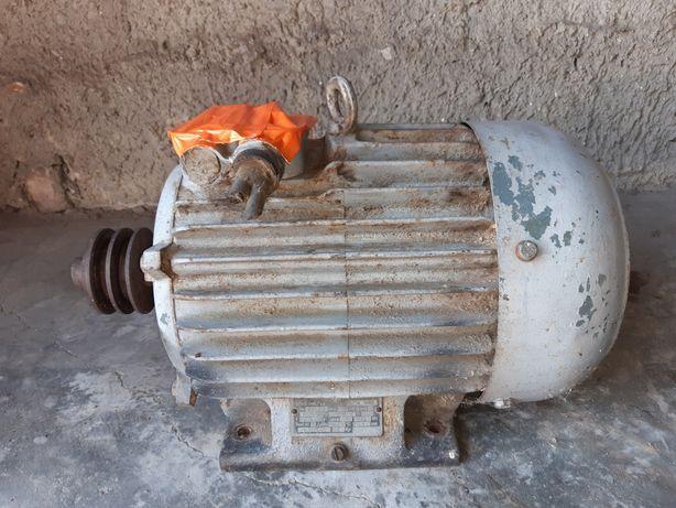Silnik elektryczny 7,5 KW 380V 3 fazowy