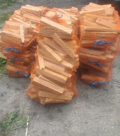 Drewno iglaste rozpałkowe 5 kilogramów.