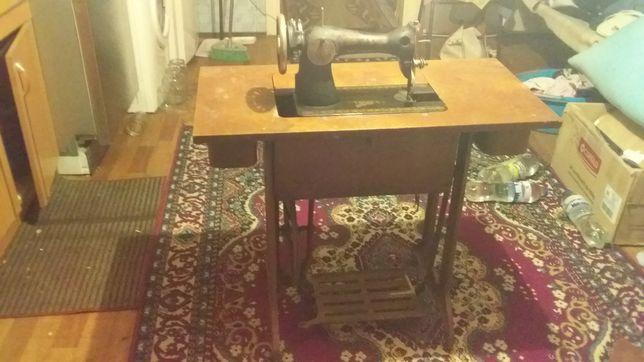 Машинка швейна СТАНІНА антекварнвя