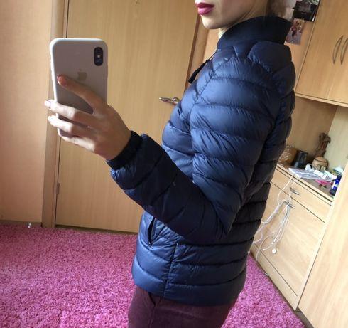 Осенняя курточка Reserved темно-синяя женская