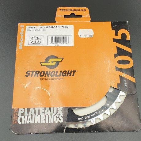 Nowa zębatka Stronglight, 42 zęby, 130 mm BCD.