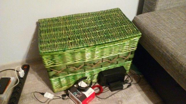 Duży kosz wiklinowy kufer skrzynia z pokrywą zielony