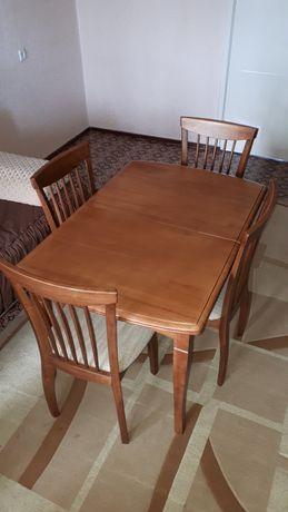 Комплект - обідній розкладний стіл та стільці в ідеальному стані