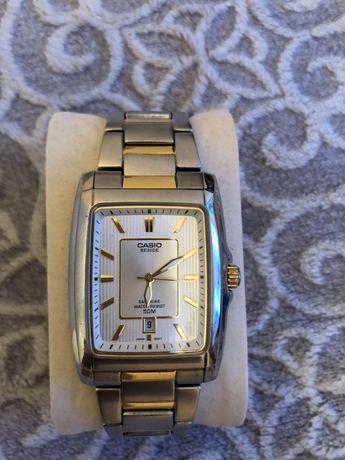 Zegarek Casio kwarcowy na bransolecie