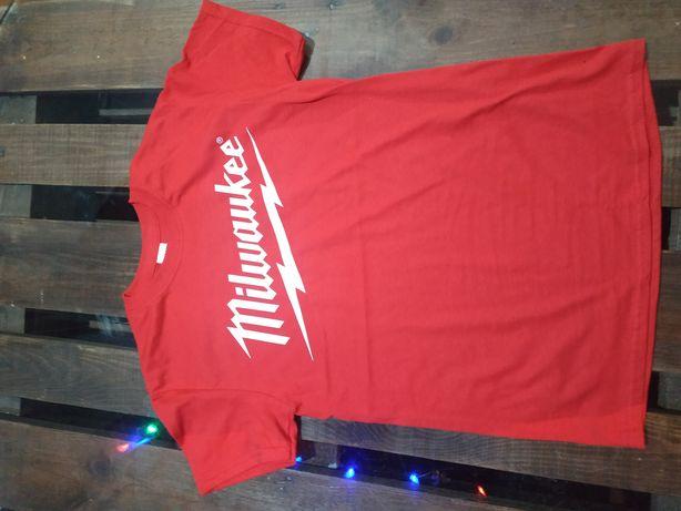 Milwaukee футболка. Милка красненькая. M18. Milwaukee m18
