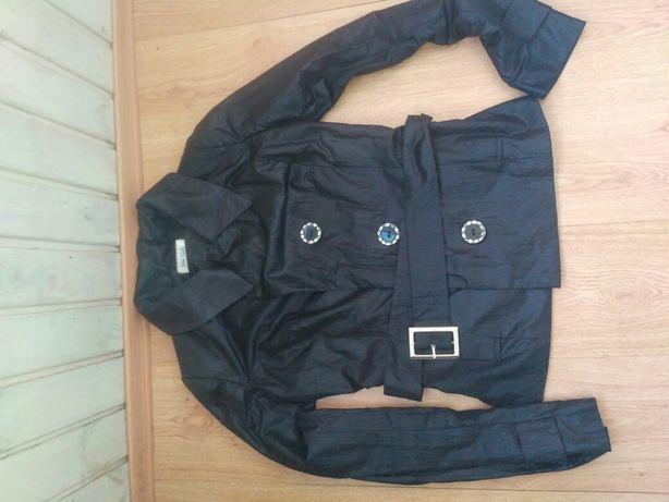 Ветровка куртка плащ женский 46 размер вторая в подарок бесплатно