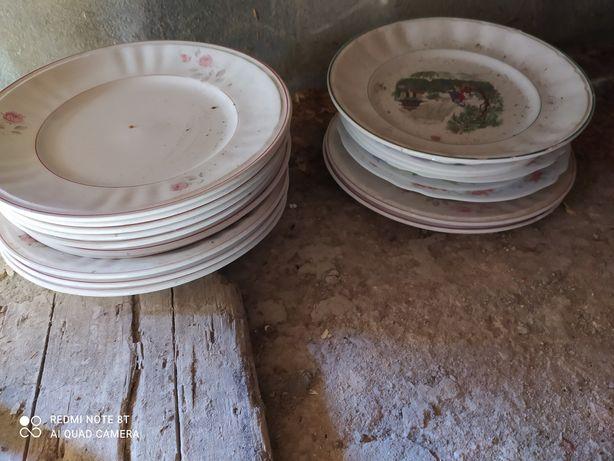 Pratos de cozinha antigos