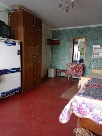 408938 Гостинка 7/9 метро Защитников. Комната 17 м.