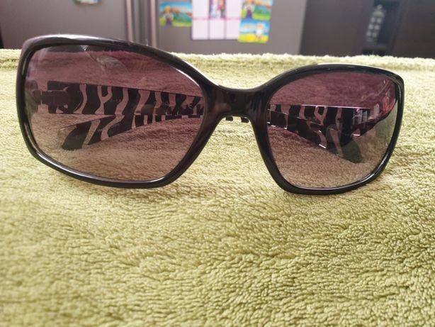 Okulary słoneczne  GUESS czarne