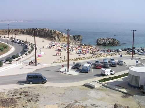Moradia ideal para grades ou pequenas famílias junto a praia