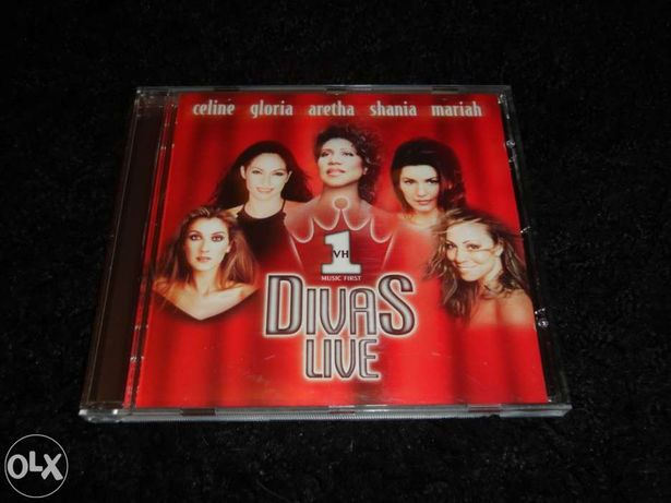 CD Divas Live