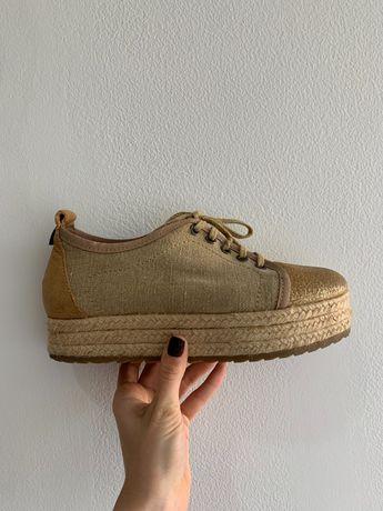 Sapatos de plataforma, marca cubanas