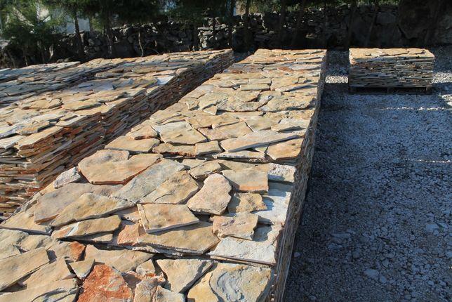 Laje/pedra rústica