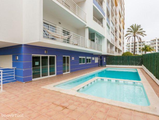 Exclusivo - T0 Condomínio privado, piscina, 950m da Praia