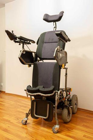 Wózek elektryczny z funkcją pionizatora