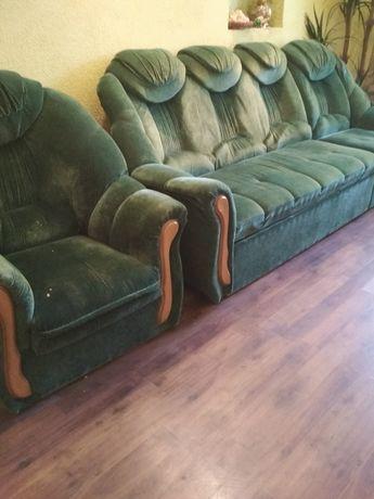 Мягкая мебель. Диван на угол,+кресло состояние нормальное,для дома,б/у