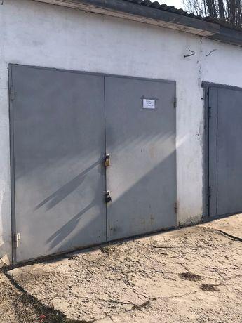 Продам гараж з оглядовою ямою по вул. Панівецька, 13а