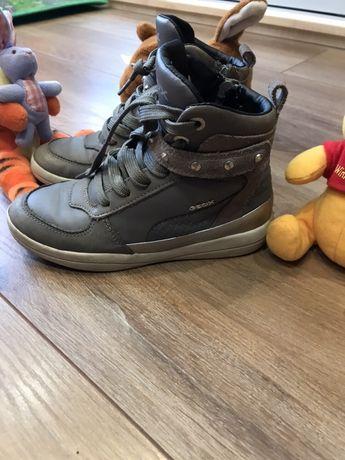 Продам ботинки Geox в хорошем состоянии