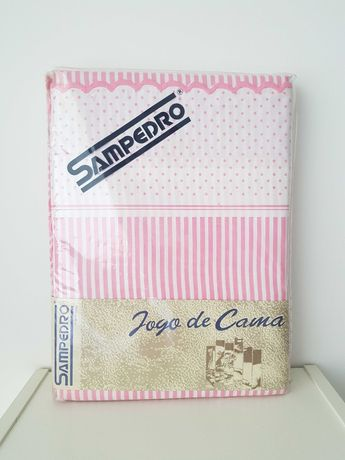 Conjunto de lençóis marca Sampedro