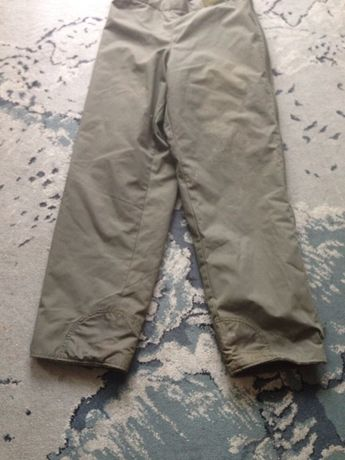 spodnie wojskowe  moro grube na podpince rozpinane  po  bokach