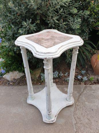 Fantastica antiga mesa de apoio Arte Nove -Floreira