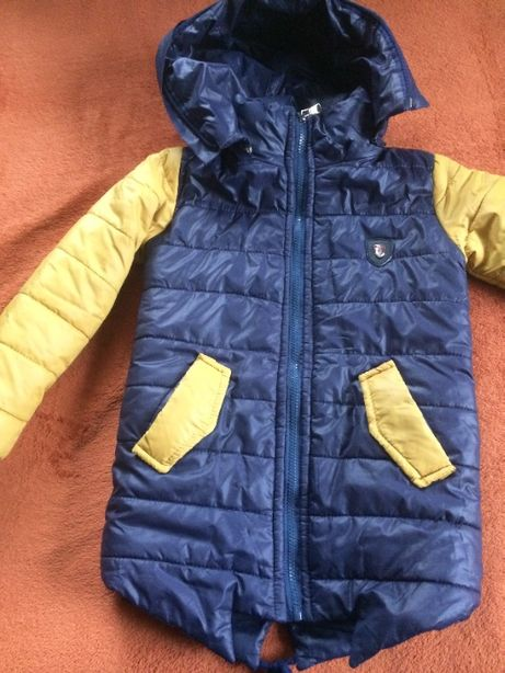 Зимова курточка на хлопчика 4-5 р.+шапка в подарунок