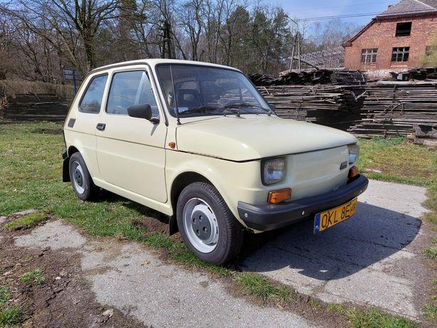 Fiat 126p, maluch, zabytek, kapliczka