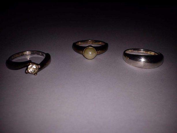 Zestaw 4 unikalnych starych srebrnych pierścionków rękodzieło