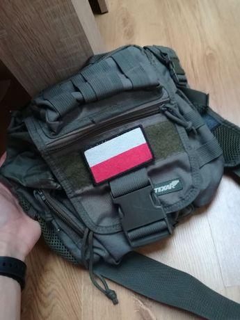 Textar Torba (na ryby, terenowa, wojskowa, taktyczna) + Naszywka Flaga