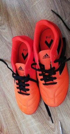 Nowe Adidas 34