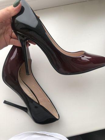 Туфлі ( лодочки)