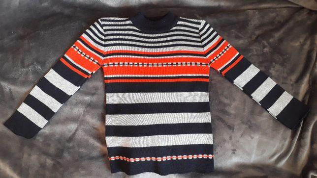 Sweterek chłopięcy r.116-122