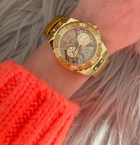 Piękny,oryginalny zegarek Guess
