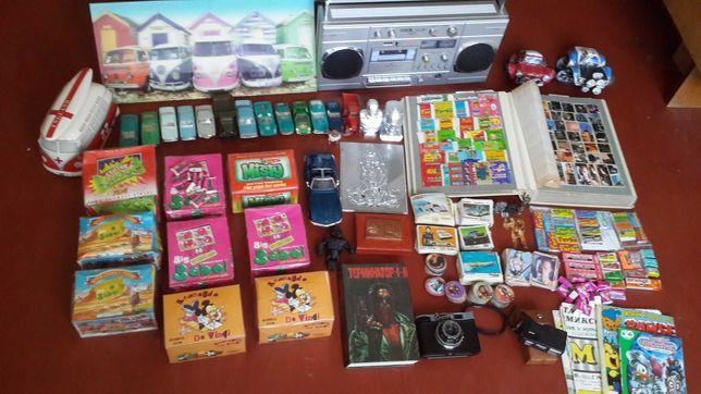 Коллекция из 1980-1990х (жвачки, вкладыши, наклейки, машинки)