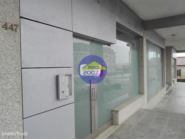 Loja com 155m2 em Esmoriz (antiga agência bancária)