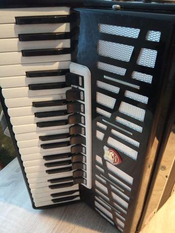 Akordeon Carmen DO RENOWACJI cena 400zł