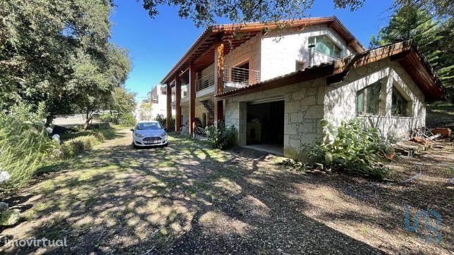 Moradia - 337 m² - T3