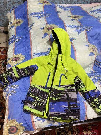 Курточка мембрана лыжная