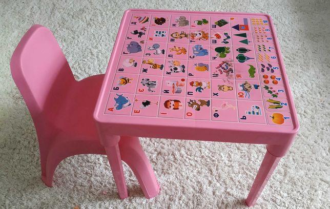 Дитячий столик + стільчик.