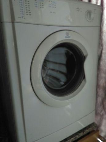Maquina de secar Indesit Idv 75-pecas