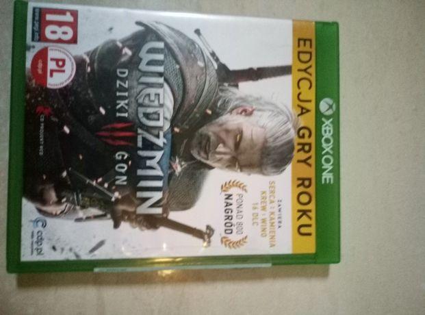 Sprzedam grę Wiedźmin 3 Edycja Gry Roku na konsolę Xbox One zDodatkami