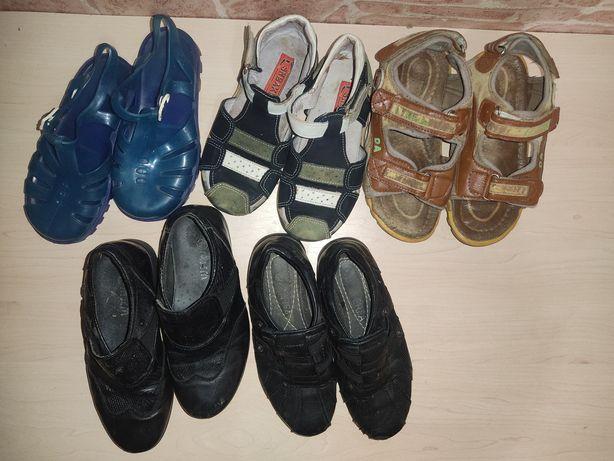 Лот взуття 27р.: туфлі ,босоніжки.