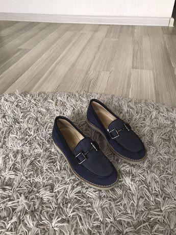 Взуття Zara, Massimo