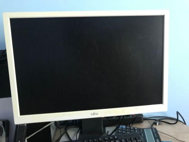 "Монитор 24"" Fujitsu ТОРГ"