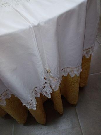 Maravilhosa toalha redonda e 8 guardanapos