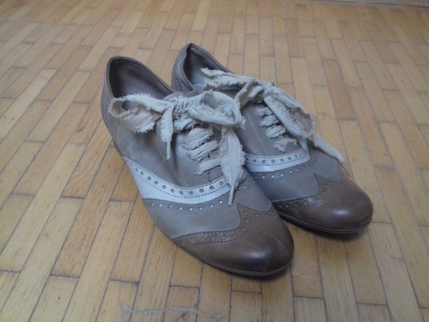 Buty skórzane Tozzi 38 typu oksfordki