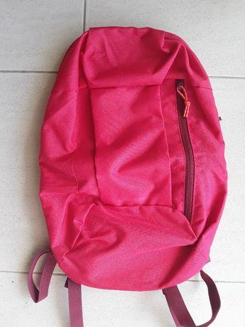 Mochila Decathlon cor de rosa
