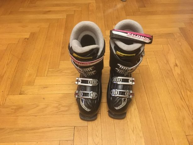 Продам горнолыжные женские ботинки Salomon, размер 23,5